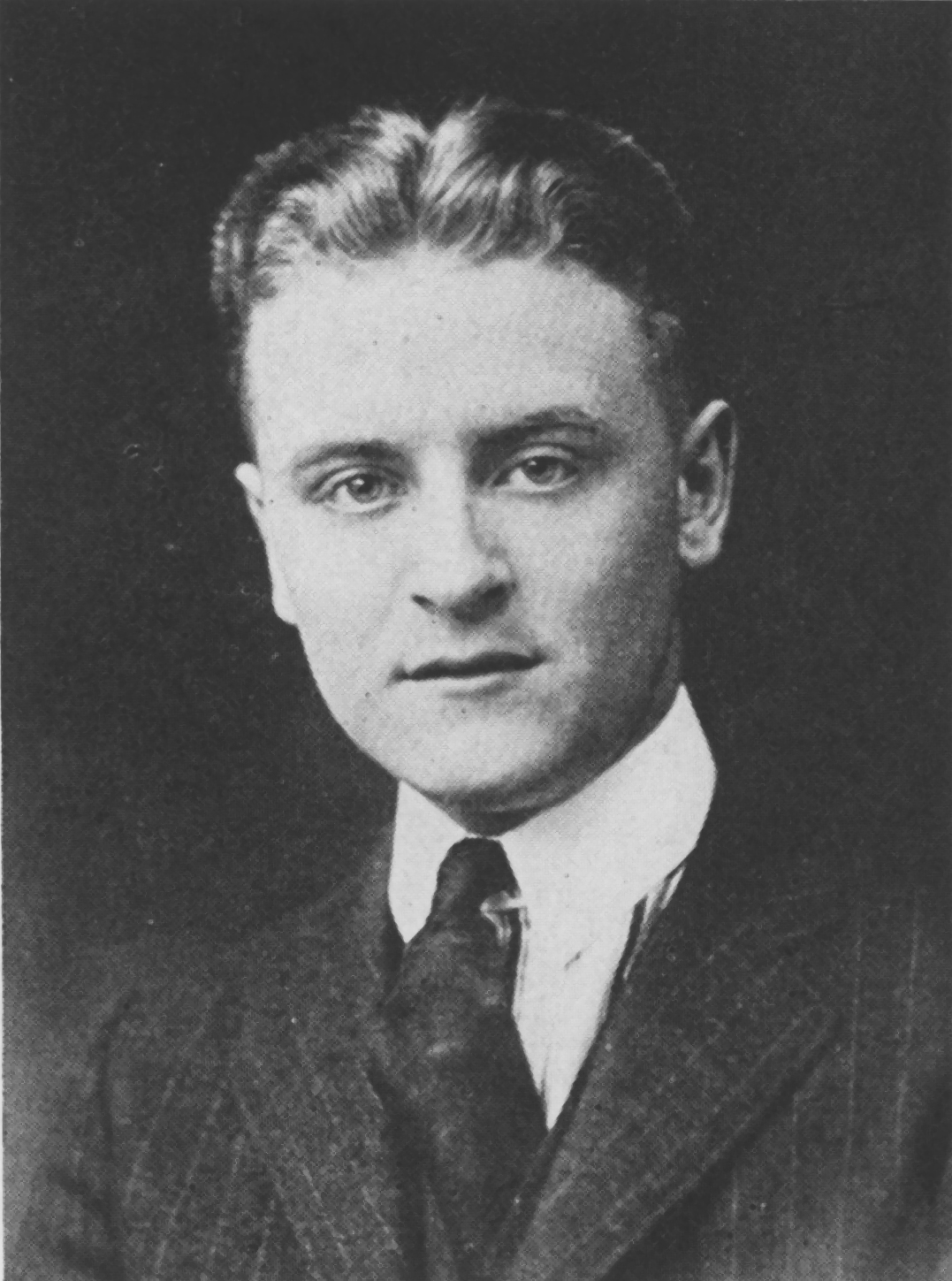 f scott fitzgeralds life in the His father, edward fitzgerald, was of irish and english ancestry,  scott  fitzgerald spent the first decade of his childhood primarily in.