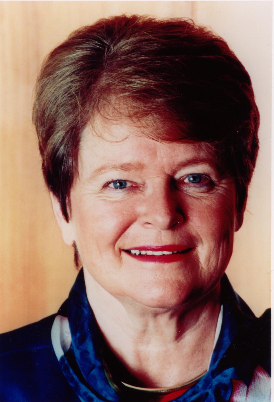 Gro Harlem Brundtland Biography, Gro Harlem Brundtland's ...