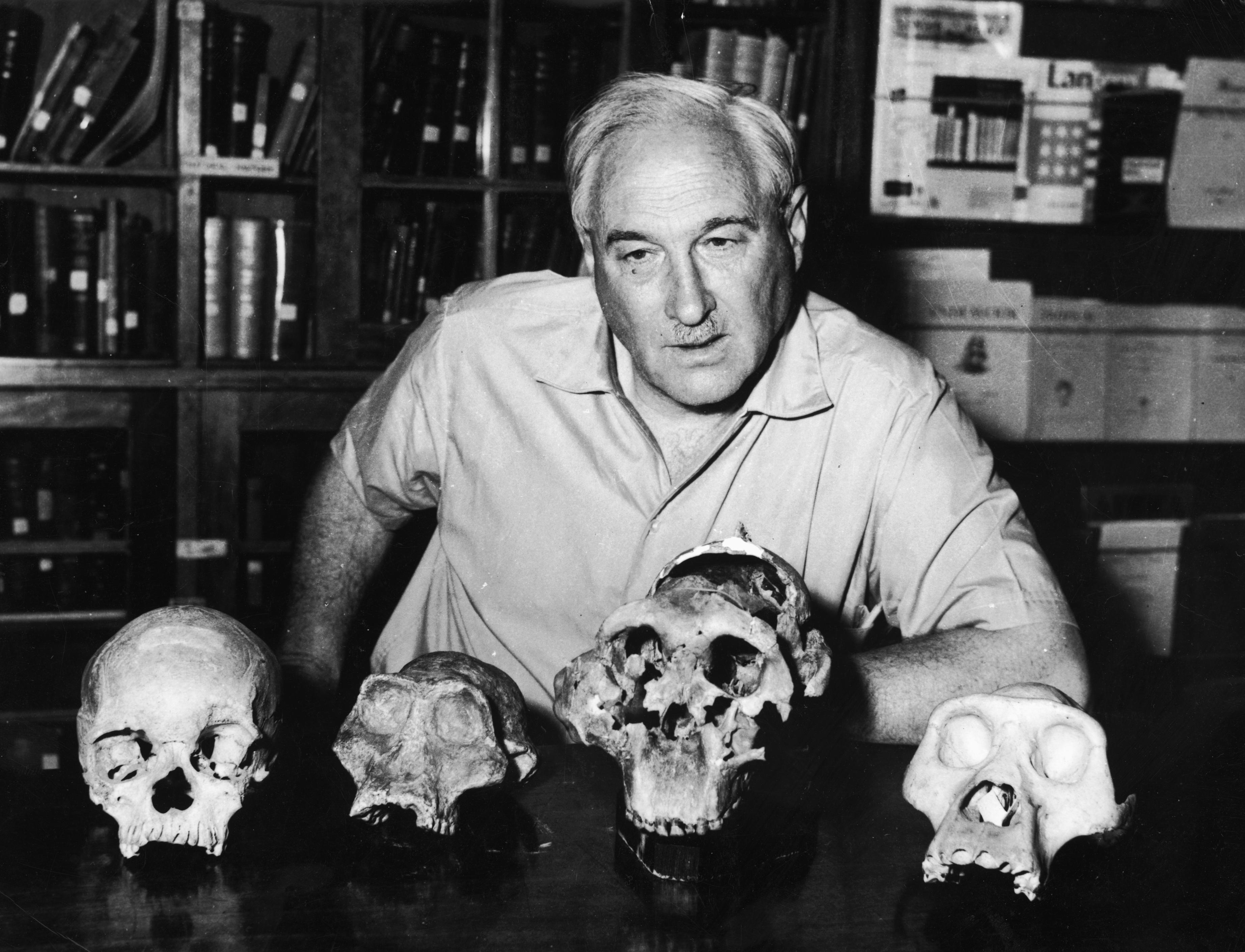 a biography of louis leakey a kenyan paleoanthropologist