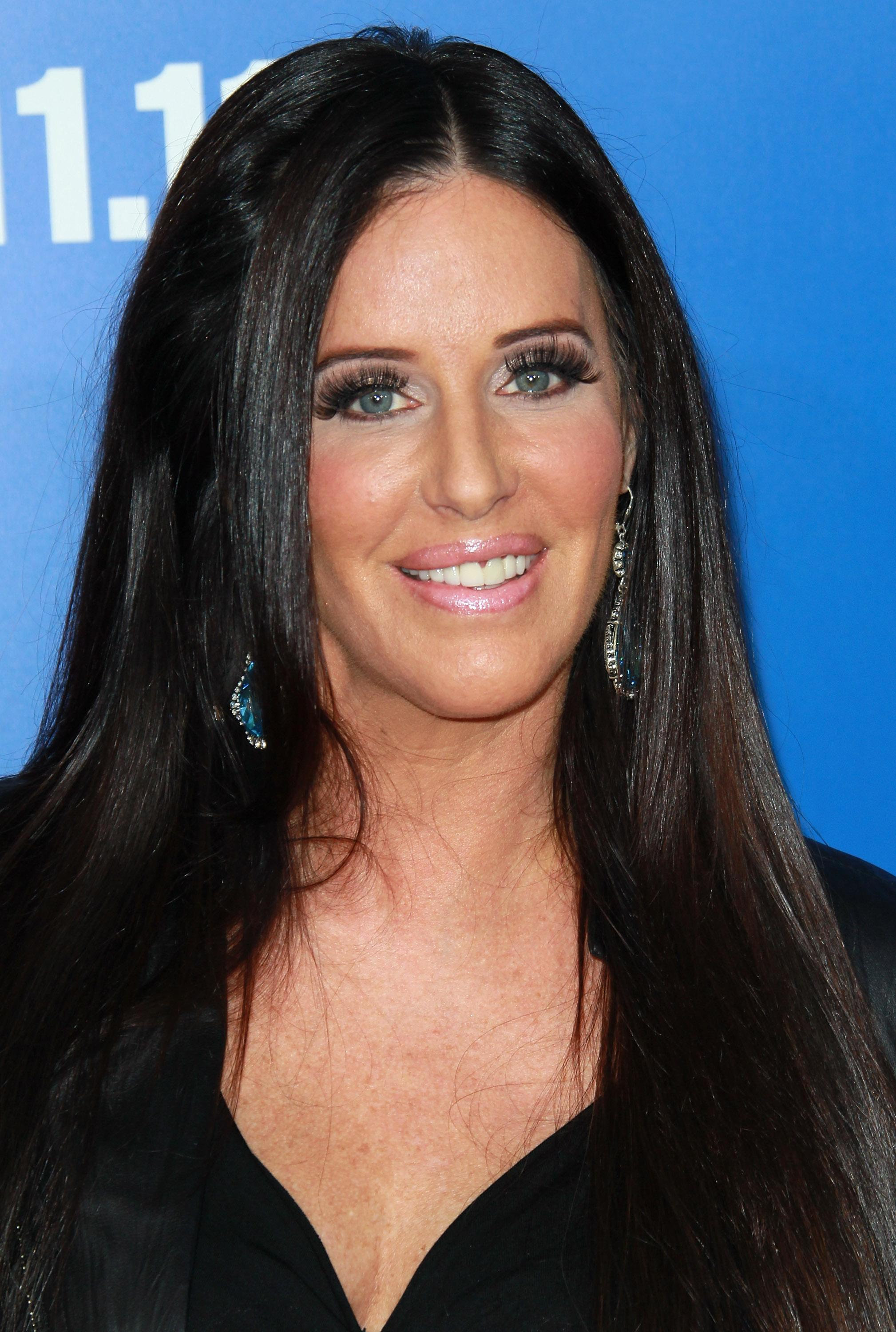 elle dating matchmaker Patti stanger founded millionaire's club in january 2000 ms stanger is the former director of marketing for great expectations (the largest and oldest dating service in the united states), as well as an experienced third-generation matchmaker.