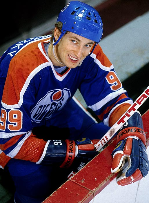 a comparison of wayne gretzkys biographies Wayne gretzky, nicknamed the great one,  is widely considered the greatest  hockey player of all-time at the time of his retirement at the end of the 1998-99.